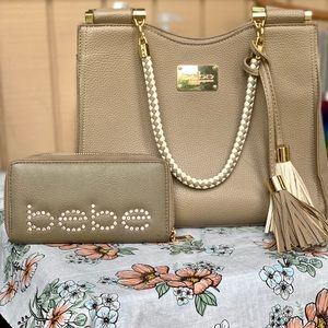 Bebe purse with matching wallet *Free shipping*